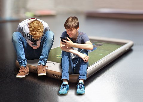 Parenting young people in a digital age
